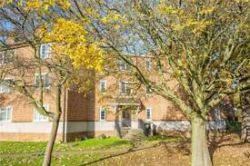 2 bedroom flat in Bittacy Court, Frith Lane, London, NW7