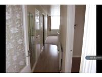 3 bedroom flat in Neville Court, Washington, NE37 (3 bed)