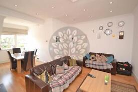2 bedroom flat in Queens Avenue, Muswell Hill