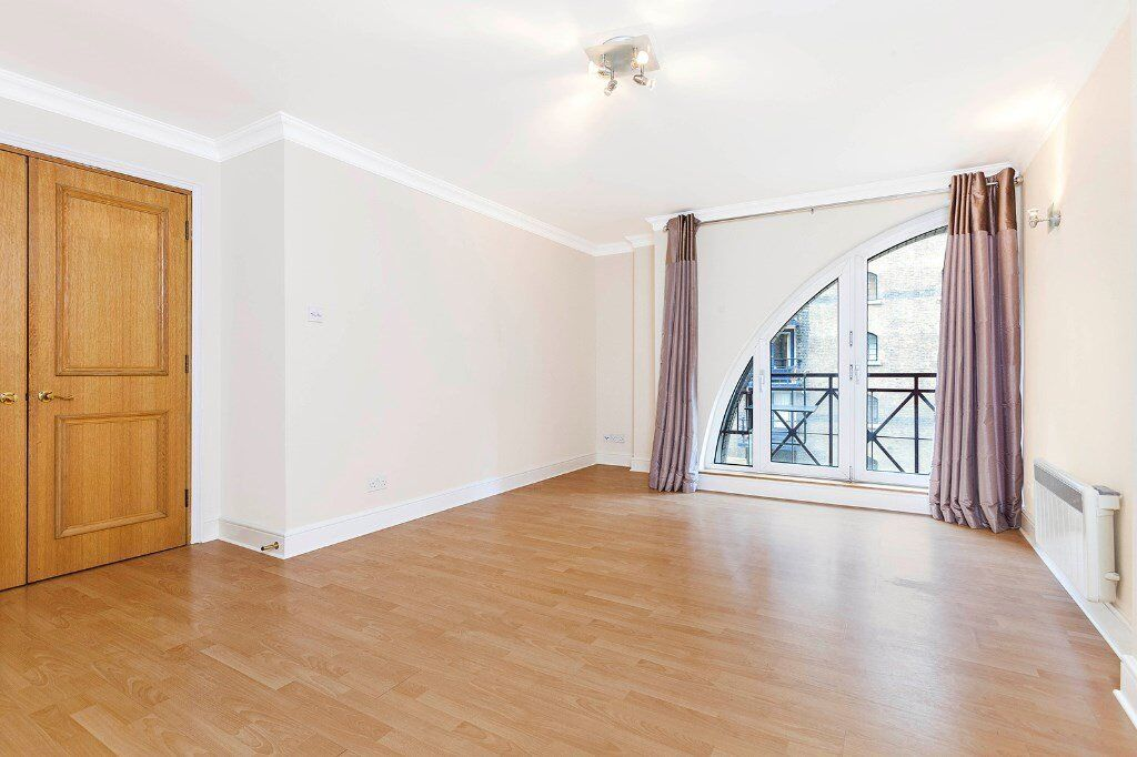 2 bedroom apartment to rent *** available now *** central London *** Negotiable ***