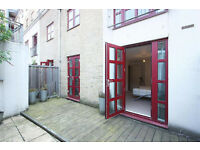 Amazing 3 Bedrooms apartment with two luxury bathrooms and large living room in Spitalfields E1