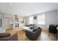 2 bedroom flat in Kelsey Park Road, Beckenham