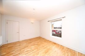 Beautiful 3 bedroom flat right in heart of Camberwell will be the best present this Christmas