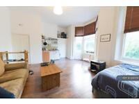 Studio flat in Bonner Road, London, E2