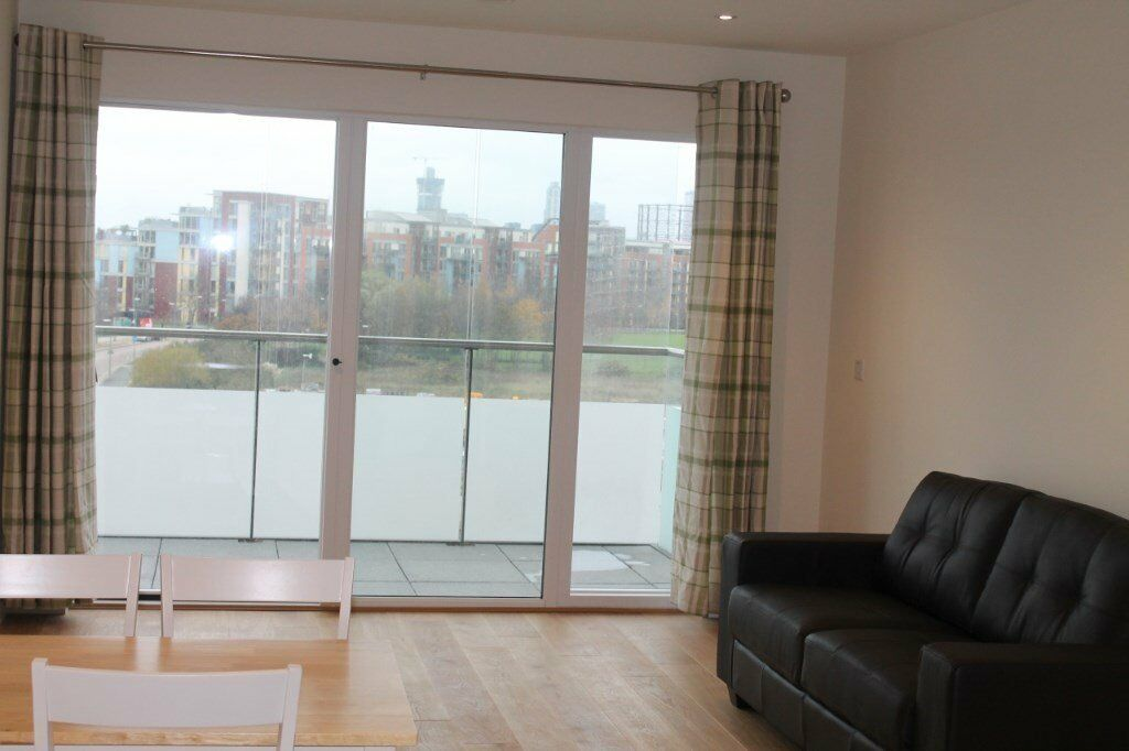 SPACIOUS & NEW FULLY FURNISHED 1 BEDROOM APARTMENT WITH BALCONY IN GREENWICH SE10 / LANDMANN POINT!