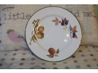 """6 x Royal Worcester """"Evesham Vale"""" 8"""" salad plates. New and un-used"""