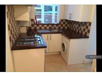 2 bedroom flat in London, London, SE15 (2 bed)
