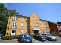 2 bedroom flat in Honiton Gardens, Mill Hill, London, NW7