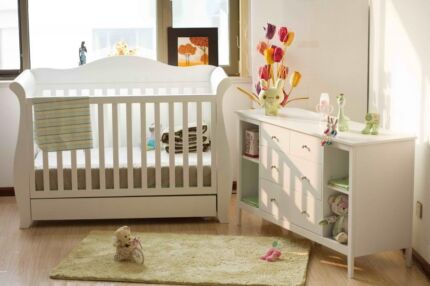 Brand New Deluxe 3 in 1 Sleigh Cot with Drawer + changer white Richmond Yarra Area Preview