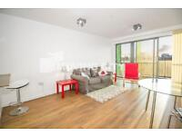 1 bedroom flat in Lime Quay, Teviot Street, Poplar