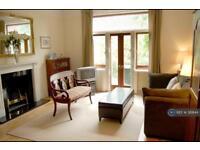 3 bedroom flat in Lymington Road, London, NW6 (3 bed)