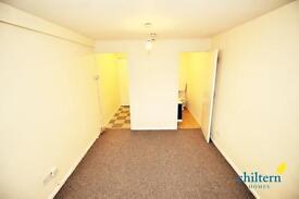Studio flat in Dunstable Road, Beechill