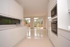 5 bedroom house in Montpelier Rise, Temple Fortune, NW11