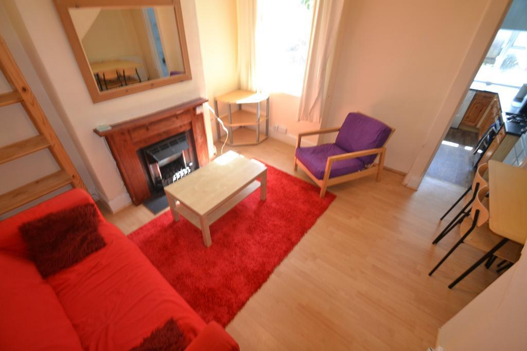 3 bedroom house in Brithdir Street, Cathays, Cardiff