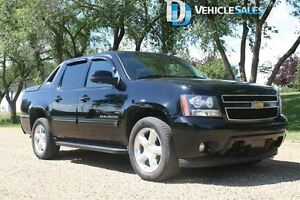 2011 Chevrolet Avalanche 1500 LT, ONSTAR, 4X4, LEATHER