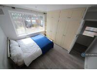 3 bedroom house in Sedgewick Avenue, Uxbridge, UB10 (3 bed) (#1060703)