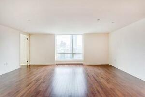 Spacious 1 Bedroom Loft- 690 sq ft, Downtown Montreal Living