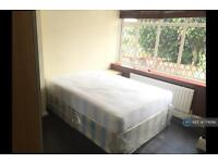 1 bedroom flat in Wood End Gardens, Northolt, UB5 (1 bed)