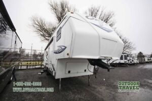 2012 TRAIL-LIITE BY R-VISION Onyx 28BHS Used Bunkhouse 5th Wheel