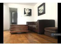 2 bedroom flat in Kingswood Rd, London, SW2 (2 bed)