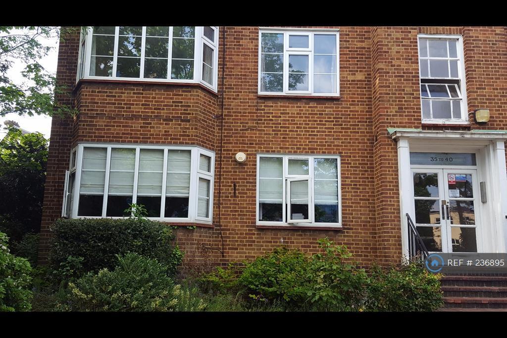 2 bedroom flat in Brighton Road, Surrey, SM2 (2 bed)
