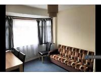 1 bedroom flat in Rosslyn Avenue, London, RM8 (1 bed)