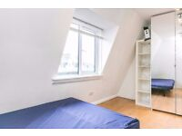 Lovely studio, walking distance to Elephant&Castle. Fantastic shops, cafes and restaurants nearby!