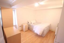 Luxurious One Bedroom Located in Secure Development Minutes From Marble Arch station Available Now!