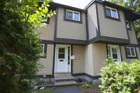 Hunters Point & Surrey Place - 3 bd townhouse