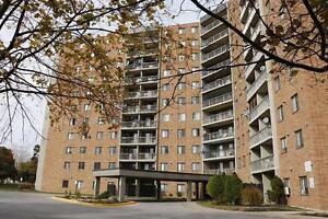 2 Bedroom Windsor Apartment for Rent: Elevators, laundry room Windsor Region Ontario image 6