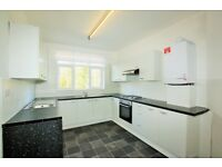 2 bedroom flat in Princes Park Avenue, Golders Green, NW11