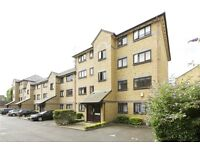 A recently refurbished 2 bedroom property to rent in this residential area on the Isle of Dogs.