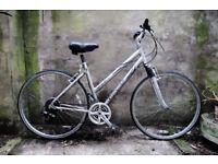 GIANT CYPRESS. 19 inch, 48.5 cm. Ladies women's hybrid road bike, 21 speed