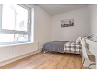 Four bed flat perfect for friends living together! Book in your viewing now!!