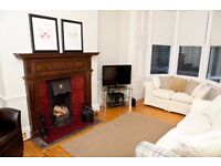 Edinburgh Festival Let - Beautiful 2 Bedroom, 3 Bathroom House with Garden