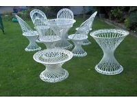 GARDEN FIBREGLASS CHAIRS AND TABLE COLORWHITE (USED)