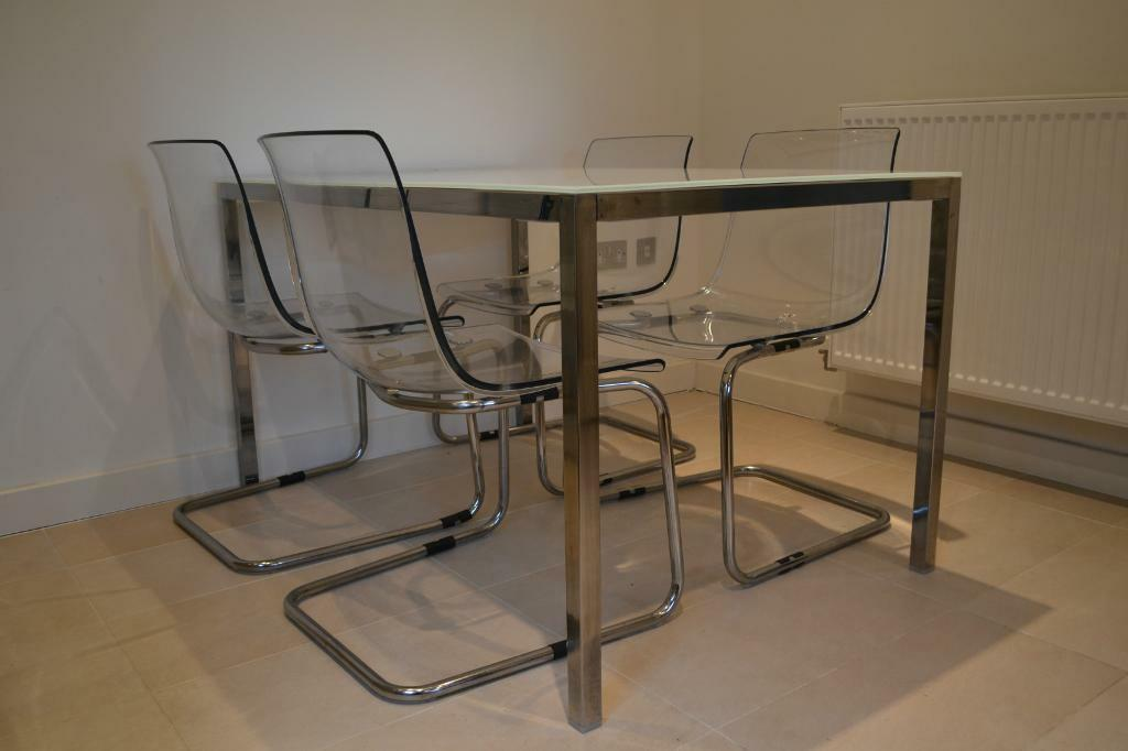 Trendy dining table set in gloss purchase sale and for Trendy dining tables