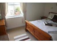 2 bedroom flat in Albert Road, St Austell, PL25 (2 bed)