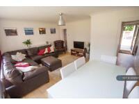3 bedroom flat in Oakhill Road, London, SW15 (3 bed)