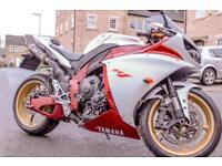 Yamaha R1 Big Bang 2009 (low mileage)