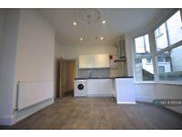 1 bedroom flat in Romford Road, London, E7 (1 bed) (#1125534)