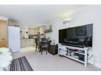 Ultra-Modern 2 Bed Apartment situated in Private Development in South Wimbledon