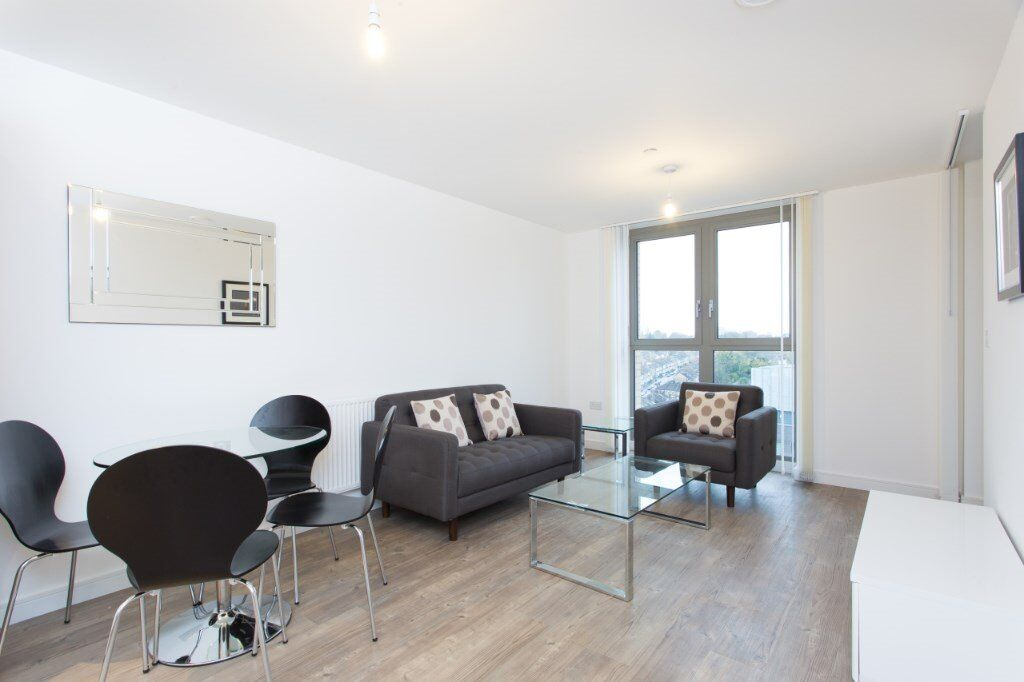 BRAND NEW DESIGNER FURNISHED LUXURY 1 BEDROOM APARTMENT IN LEWISHAM SE13 WITH 24hr CONCIERGE BALCONY