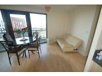 2 bedroom flat in Trentham Court, Acton