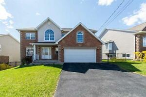 16-074 Elegant large family home. Great curb appeal!
