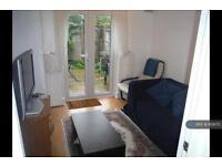 3 bedroom flat in Rattray Road, Brixton, London , SW2 (3 bed)