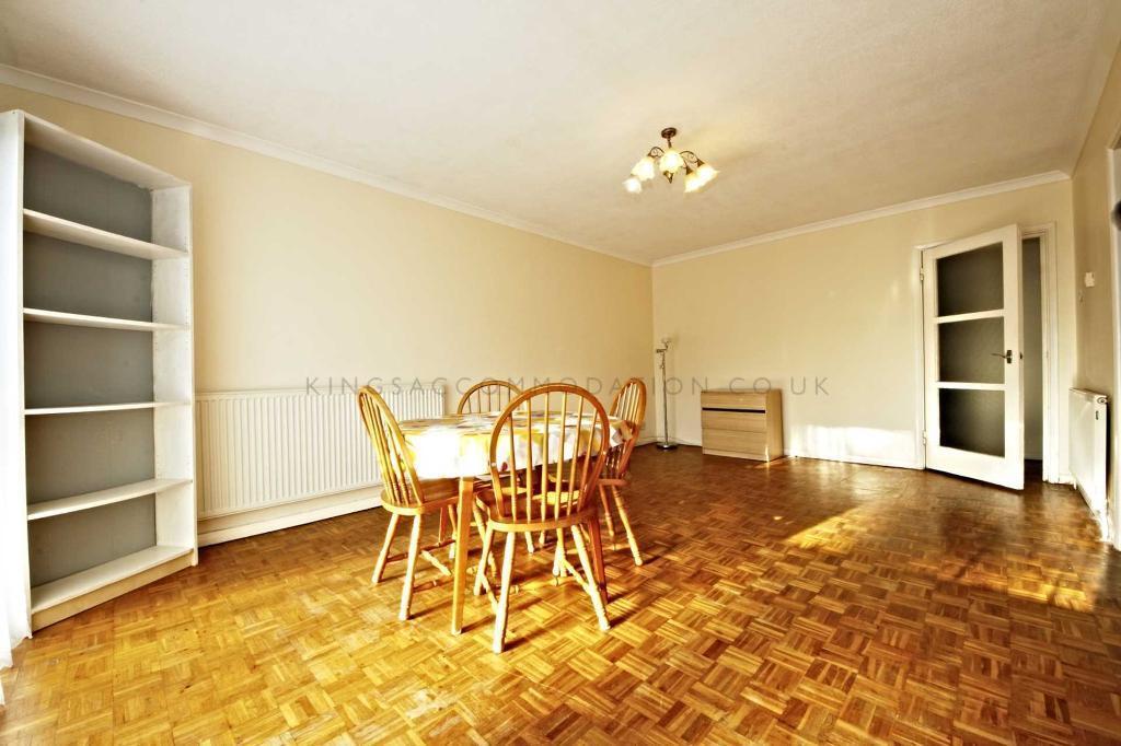 1 bedroom flat in Leaf Grove, West Norwood