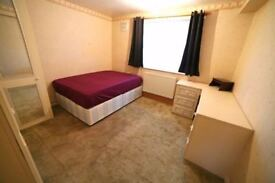 Spacious single and double rooms available in N16. ONLY 3 WEEKS DEPOSIT!!!