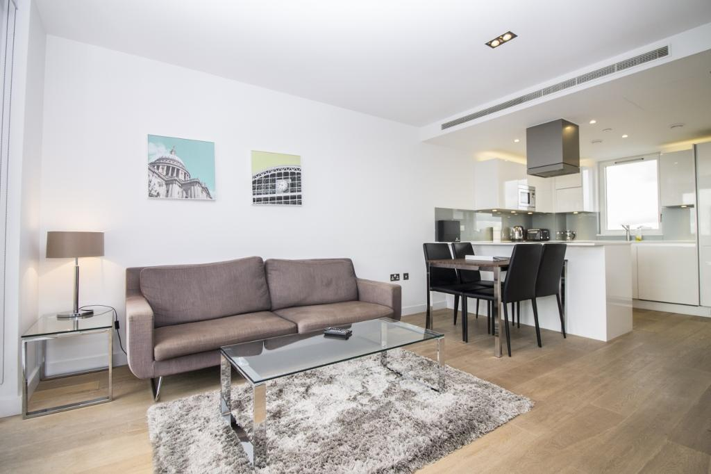 2 bedroom house in Axis Apartments, Shoreditch E1