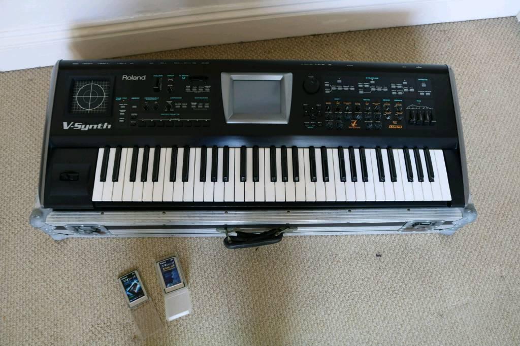 Roland V-synth V2 0 inc  VC-1 (D-50) and VC-1 (Vocal Designer) Cards/flight  case   in Bedminster, Bristol   Gumtree